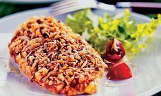 Peito de frango crocante com queijo e alho