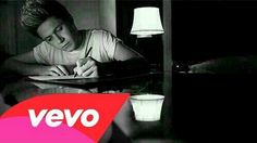Discovered by One direction ♥. Find images and videos about love, boy and one direction on We Heart It - the app to get lost in what you love. Niall Horan, Zayn, One Direction Gif, Einstein, James Horan, 1d And 5sos, Second Of Summer, Boys Who, Song Lyrics