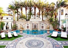 Casa Casuarina, garden area of Gianni Versace home in Miami Versace Casa, Gianni Versace House, Versace Mansion Miami, Versace Miami, Versace Home, Palazzo Versace, Versace Versace, Real Estate Sales, Luxury Real Estate