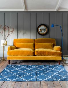7 Cheap And Easy Ideas: Vintage Home Decor Living Room Ceilings vintage home decor living room farmhouse style.Vintage Home Decor Living Room Farmhouse Style french vintage home decor bed frames.Vintage Home Decor On A Budget Tips. Living Room Sofa, Living Room Decor, Cozy Living, Deco Cool, Yellow Sofa, Orange Sofa, Purple Couch, Three Seater Sofa, Vintage Home Decor