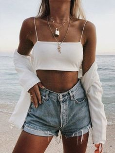 The Dainty Jewelry Inspo You Need To Copy 2019 Dainty jewelry necklaces & rings! The post The Dainty Jewelry Inspo You Need To Copy 2019 appeared first on Outfit Diy. Cute Summer Outfits, Spring Outfits, Trendy Outfits, Outfit Summer, Dress Summer, Holiday Outfits, Mode Outfits, Fashion Outfits, Womens Fashion
