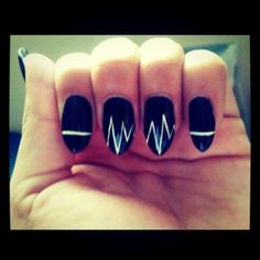 Something to consider for those without a Valentine #pointynail #nailart #blackandwhite