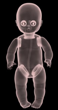 British artist Nick Veasey knows that X-rays aren't just for the doctor's office. To Veasey, it's what's on the inside that counts, and this artist really knows how to, er, get under your skin. Keep clicking for more of Veasey's unique work . Art Furniture, Retro, Dramatic Play, Amazing Art, Baby Dolls, Art Projects, Art Photography, Art Gallery, Illustration Art