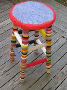 Yarn bombing site.  my yarn wealth is big enough to do this now.