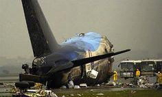 Caught On Video: Singapore Airlines Flight 006 footage seconds after crash. https://www.youtube.com/watch?v=3vTbQ3MdT9k …