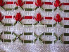 Oi meninas (os) Boa tarde!!!!  Mais um trabalhinho terminado, adorei o resultado, pois fiz com fita bêbe em vez de linha, é super fácil e rá... Crochet Cross, Knit Crochet, Huck Towels, Swedish Weaving, Lost Art, Ribbon Embroidery, Needlework, Embellishments, Diy And Crafts