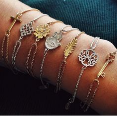 Everyone must have on one of these pull chain Alex and Ani bracelets from their Providence Collection. #silvermoonstyle