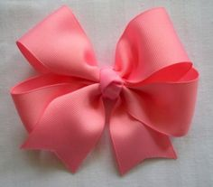 How to make ribbon bow? 8 tips to make a 5 inch hair bow. Ribbon Hair Bows, Diy Hair Bows, Diy Bow, Ribbon Flower, Pink Ribbons, Little Girl Hairstyles, Diy Hairstyles, Latest Hairstyles, How To Make Hair