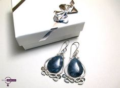 Silver jewelry, silver earrings with agate.  For more information: https://www.etsy.com/listing/218639203/blue-ocean-sterli