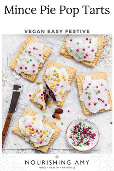 Simple 2-ingredient vegan pastry filled with sticky sweet homemade mincemeat, these pop tarts are quick and easy to make with a tasty icing sugar glaze! #recipes #vegan #food #breakfast #dessert Plant Based Breakfast, Breakfast Dessert, Breakfast Ideas, Brunch Recipes, Dessert Recipes, Vegan Tarts, Vegan Pastries, Vegan Desserts, Vegan Food