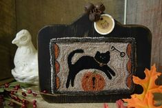 "Primitive Punch Needle Autumn Fall Cat Pumpkin Horn-book Shelf Sitter 7""W..."