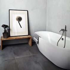 || bathrooms love art || #art #artwork #print #floral #bathroom #bath #decor #interiors #tiles #instadesign #instaart #interiordesign #gallerywall #gallery #artgallery #artlovers #minimal #framedart #pingo_art