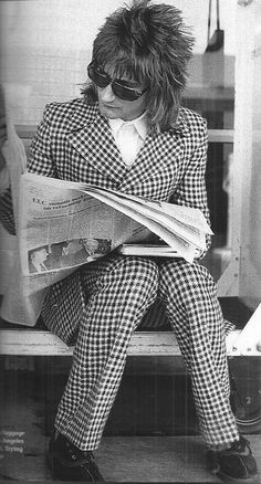 Rod the mod! Rod Stewart were once upon a time a great rock 'n' roll vocalist. Steampacket, Long John Baldry, Jeff Beck Group etc. Rod Stewart, Rachel Hunter, Music Love, Rock Music, My Music, Music Songs, Penny Lancaster, Rockn Roll, Music Icon