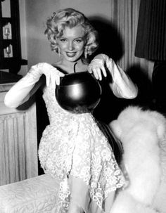 Marilyn at the premiere of How To Marry A Millionaire in November 1953.