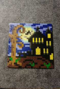 Perler bead haunted house for Halloween 👻 🎃 Diy Perler Beads, Perler Bead Art, Pearler Beads, Pearler Bead Patterns, Perler Patterns, Hama Beads Halloween, Melty Bead Designs, Melting Beads, Pattern Pictures