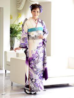 http://kimono.katsura-yumi.co.jp/item/images/elegantrose.jpg