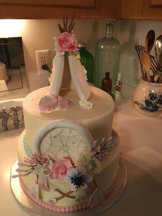 Dream Catcher Cake on Cake Central Dream Catcher Cake on Cake Central Baby Shower Tribal, Dream Catcher Cake, Dream Catchers, Baby Shower Elegante, Decors Pate A Sucre, Boho Cake, Birthday Cake, Birthday Parties, Birthday Ideas