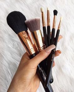 """Nothing better than new brushes!"" #repost from emilyyyx___. // #sigmabeauty  #Sigmabrushes featured: F30 Large Powder  F80 Flat Kabuki™ E25 Blending  E30 Pencil E36 Blending E40 Tapered Blending"