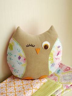 Retro Mama Owl with Spring Promise fabric