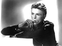 David Bowie life in pix: An early studio portrait of David Bowie
