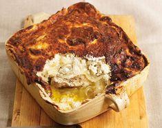 Филе курицы в духовке, запеченное под йогуртом Это блюдо вам понравится - готовится просто, продукты доступные, получается вкусно и сытно! Если вам покажется необычным сочетание таких продуктов, как курица и йогурт - то напрасно, в греческой кухне довольно часто используется! Почему бы и нам не попробовать?