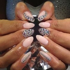 Diamond nails ? I normally don't like pointed acrylics but the design is so cute!