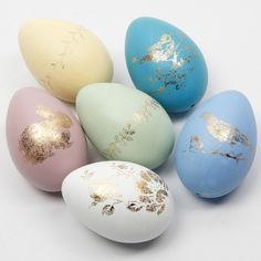 Easter Eggs decorated with Deco Foil on Glue Foil Designs - Creative ideas