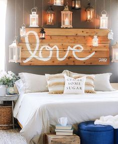 What a magical bedroom ✨ @idreamofhomemaking is one of the most talented ladies on IG and we adore how she uses our metal tray tables they literally work in any room decorsteals.com to grab a set of TWO  . . . #Decorsteals #decorstealsaddict #farmhousechic #modernrustic #farmhousestyle #frenchhome #vintageinspired #vintagefarmhouse #farmhousedecor #farmhouseliving #rusticfarmhouse #countryliving #farmhouse #modernfarmhouse #homedecor #decorating #dreamhome #interiordesign #vintageinspired