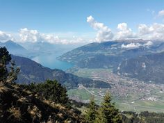 The Oberberghorn Panoramaweg with incredible scenic views is a rather short, though quite challenging loop trail for intermediate little hikers. Hiking With Kids, Hiking Tips, Switzerland, Trail, Destinations, Bucket, The Incredibles, Mountains, Beautiful