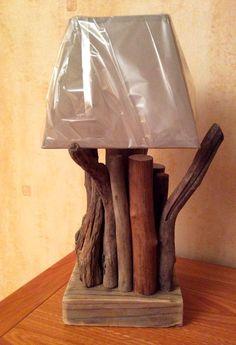 Lampe en bois flotté par l'Atelier de Corinne : Luminaires par atelier-de-corinne