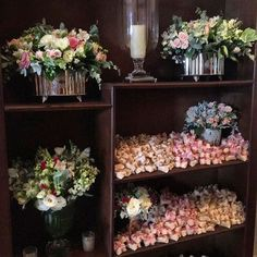 Bem casados @conceicaobemcasados 😋😋 @casaitaim #marianabassiflores #bemcasados #arranjosflorais #marianabassi #weddingdecor #flores