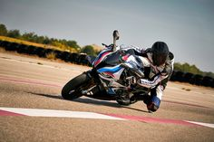 BMW M1000RR R65, Motos Bmw, Bmw Motorcycles, Bmw Sport, Forged Pistons, Tyre Fitting, Used Bmw, Motor Works, Motorcycle Bike