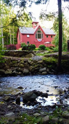 Small barn home, The