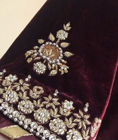 Embroidery On Clothes, Hand Work Embroidery, Hand Embroidery Designs, Embroidery Dress, Beaded Embroidery, Embroidery Patterns, Embroidered Blouse, Zardosi Embroidery, Embroidery Suits Punjabi