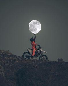 Photography - Moon - dirtbike - motocross - Motocross❤I love Cross - Motorrad Gp Moto, Moto Bike, Motocross Vintage, Whats Wallpaper, Motorcross Bike, Motocross Baby, Enduro Motorcycle, Motorcycle Camping, Girl Motorcycle