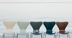 The Series 7™, designed in 1955.  Danske designeren Arne Jacobsens mest solgte stol syvern er evig moderne.