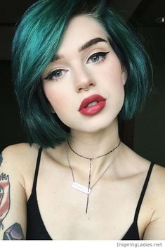 Awesome green short hair and big red lips   Inspiring Ladies