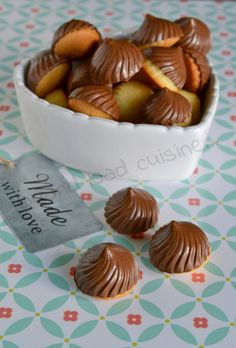 Chocolate four-quarter swirls - When Nad cooks . Dump Cake Recipes, Dessert Recipes, Southern Pound Cake, Cinnamon Tea Cake, Taffy Candy, Almond Pound Cakes, Chocolate Recipes, Chocolate Pound Cake, Biscuit Cookies