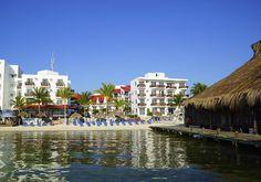 9. Imperial Las Perlas, para una opción económica y unas vacaciones familiares, este es un excelente hotel que se encuentra al inicio de la Zona hotelera y muy cerca del centro de la ciudad.