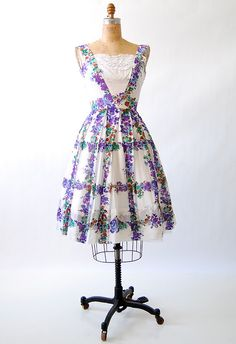 vnitage 1950s / Violets on the Trellis Dress