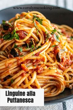 Italian Pasta Recipes, Pasta Dinner Recipes, Easy Pasta Recipes, Appetizer Recipes, Easy Meals, Pasta Dishes, Food Dishes, Spicy Pasta, Classic Italian Dishes