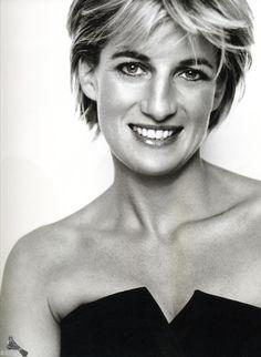 Lady Diana Spencer, Princesa de Gales. – Imagen de Mario Testino.