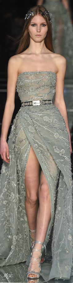 Zuhair Murad Spring 2016 Couture Fashion Show Haute Couture Style, Couture Mode, Couture Fashion, Runway Fashion, High Fashion, Fashion Show, Fashion Spring, Stunning Dresses, Beautiful Gowns