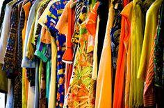 Risultati immagini per lavori vendere i vestiti