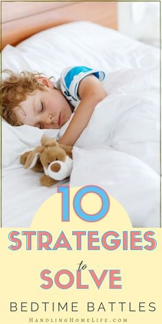 Do your kids have trouble falling asleep and staying in bed? 10 sleep solutions to help your children sleep better! Natural Parenting, Peaceful Parenting, Gentle Parenting, Parenting Toddlers, Parenting Books, Parenting Plan, Parenting Styles, Foster Parenting, Kids Sleep