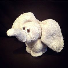 Washcloth Animals (With images) Baby Shower Deco, Baby Shower Themes, Baby Boy Shower, Towel Animals, Sock Animals, Towel Origami, How To Fold Towels, Baby Washcloth, Towel Crafts