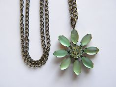 Vintage Frosted Green and Chrysolite Green Glass Daisy Pendant Necklace Botanical Floral Glass Necklace Cottage Chic Daisy Necklace