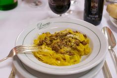 The short-lived sight of the classic Italian dish. Image by Mike Knell / CC BY-SA 2.0