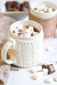 Old school scorching chocolate - Elle Simmering One thing - Gâteau - Coffee Recipes Coffee Drink Recipes, Dessert Recipes, Best Iced Coffee, Christmas Hot Chocolate, Coffee Dessert, Hygge, Food And Drink, Quelque Chose, Color Themes