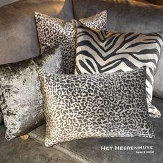 Accent Pillows, Throw Pillows, Interior Decorating, Interior Design, Diy Room Decor, Home Decor, Sofa Design, Own Home, Decorative Pillows